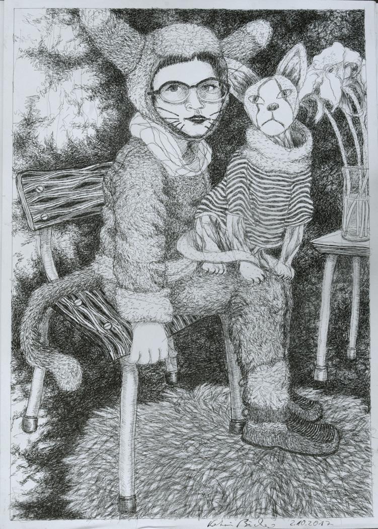 Mädchen in Katzenkostüm und Nacktkatze in Pullover